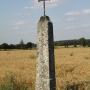 Mikicin - Stary krzyż przydrożny na granitowej podstawie