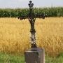 Mociesze - Żelazny krzyż na drodze pomiędzy Gurbiczami, a Mocieszami