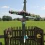 Klewianka - Dwa przydrożne krzyże i kapliczka na rozstajach
