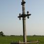 Jasionowo Dębowskie - Śródpolny stary krzyż przydrożny