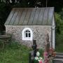 Jaminy - Kostnica na cmentarzu przykościelnym