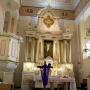 Ołtarz główny w kościele pw apostołów Piotra i Pawła.