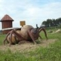 Spotkamy w Wiosce Darów Lasu oprócz Króla gigantyczne pszczoły, myszy, mrówki i pająki.