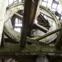 Wnętrze wiatraka ukrywa ciekawy mechanizm całkowicie wykonany z drewna.