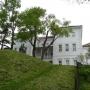 Malowniczo położony Pałac Archimandrytów teraz można ogladać od strony rzeki idąc wygodnym bulwarem.