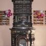 Neorenesansowy kominek w Pałacu Hasbachów.