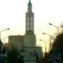 Spojrzenie na kościół św. Rocha wzdłuż ulicy Lipowej.