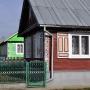 Drewniana zabudowa. Dom nr 86 jest szczególnie ważny, gdyż mieszka tu twórca tych drewnianych cudeniek.