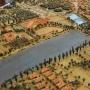 Jak widać na tej historycznej makiecie, założenie pałacowe zajmowało znacznie większy obszar niż obecnie. Na uwagę zasługuje sporych rozmiarów staw, który również był częścią kompozycji przestrzennej rezydencji Branickich.