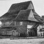 Drewniana synagoga- zdjęcie z 1895 r.(Źródło pochodzenia kopii Wikimedia Commons - plik jest własnością publiczną)