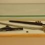 Broń ielementy umundurowania z okresu napoleońskiego.