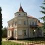 Zabytkowy dom parafialny