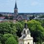 Widok z kościoła na Bramę Wielką i kościół św. Wojciecha.