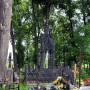 Najciekawszy grób w stylu neogotyckim wykonany został w hucie Brzostowskiego przez samego hrabiego, dla swej najwierniejszej współpracownicy, Wiktorii Wierzbickiej - Rymaszewskiej, głównej księgowej majątku.
