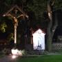 Kaplica MB w wizerunku fatimskim oraz krzyż misyjny - plac kościelny - fot. Ł. A. Wejda