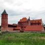 Jak widać, pierwszy etap budowy zamku jest już zakończony. Stan z lipca 2011r.