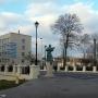 Zabytkowy most (odbudowany) i rzeźba św. Jana Nepomucena.