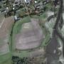 Widok na grodzisko z lotu ptaka. Źródło Geoportal.gov.pl