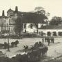 Rynek w Stawiskach w 1915 roku. Zdjęcie ze strony Urzędu Miejskiego w Stawiskach.