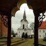 Dzwonnica od strony dziedzińca klasztornego.