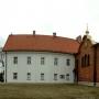 Od prawej: cerkiewka św. Jana, budynek klasztorny oraz dzwonnica.