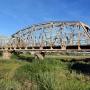 Charakterystyczny stalowy most kolejowy w Uhowie był czterokrotnie wysadzany podczas różnych wojen i bitew. Świadczyło to o ważnym punkcie strategicznym jaki on stanowił.